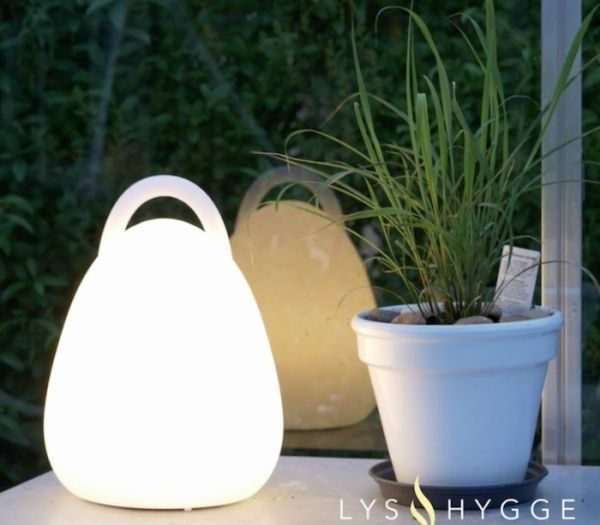 Bærbar LED lampe til haven